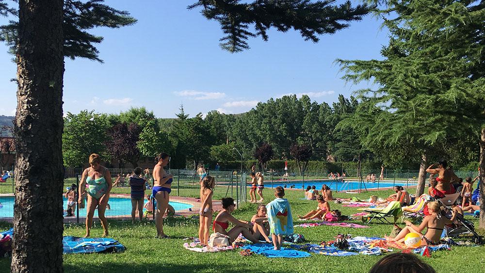 Casa rural cerca de Burgos y de una piscina